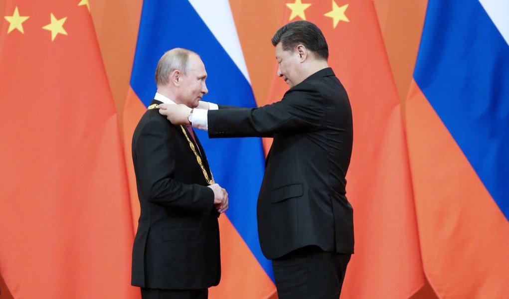 Xi e Putin firmam acordo sobre temas estratégicos internacionais