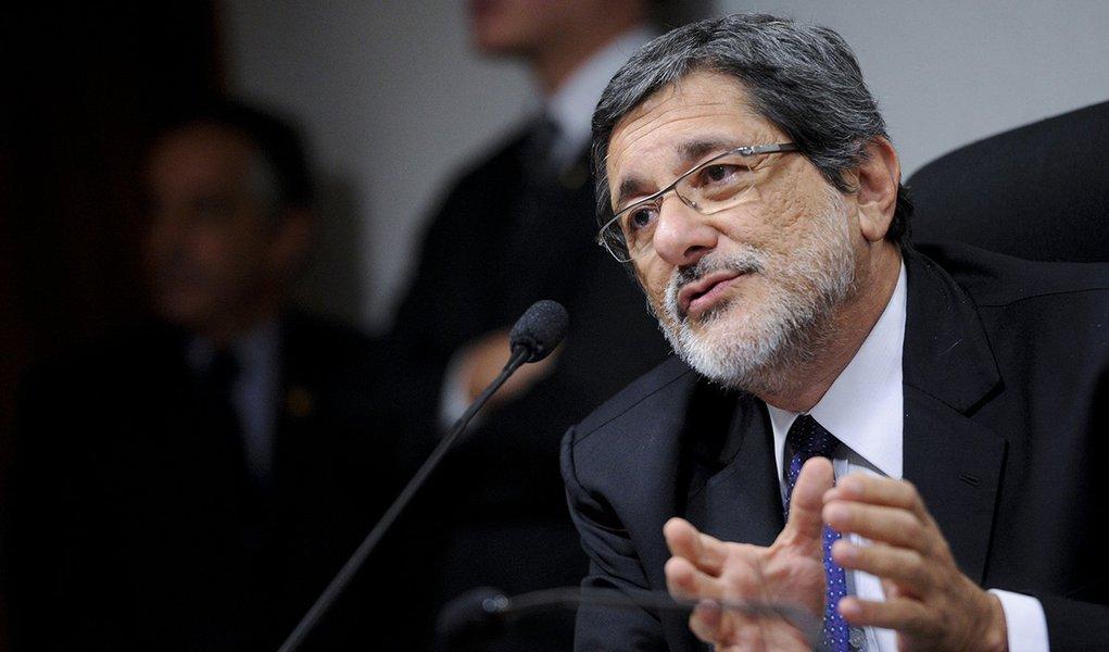 Gabrielli: crise não acaba sem o fim da política de Pedro Parente