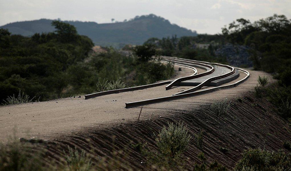 Mais de 30% da malha ferroviária do Brasil está inutilizada, diz CNI