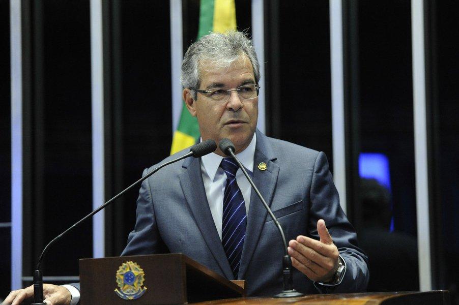 Jorge Viana defende eleições antecipadas para País sair da crise