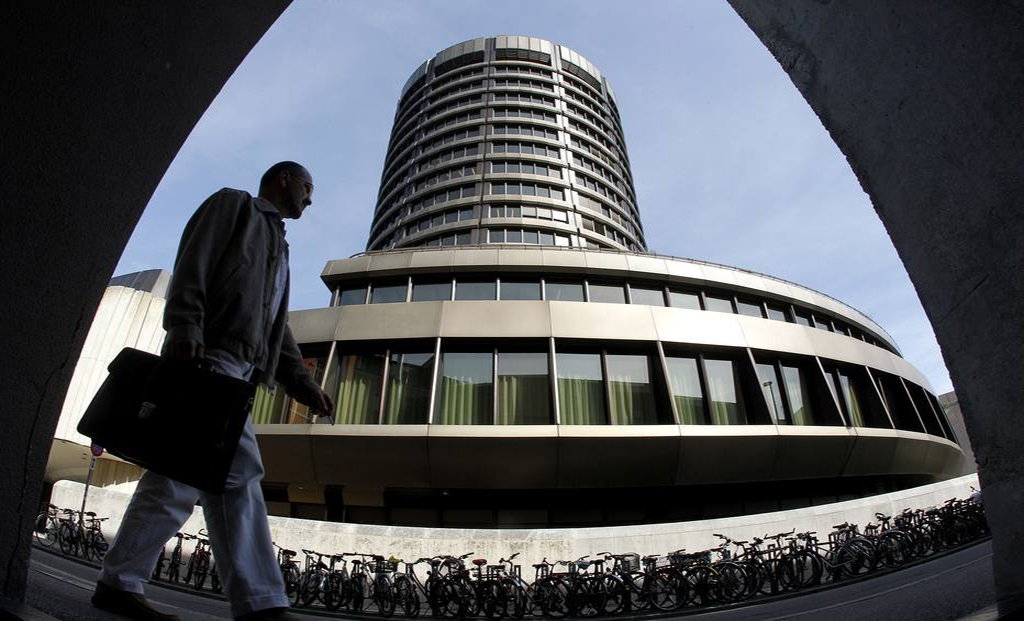 BIS quer regras mais duras para oferta de crédito por fintechs e fundos