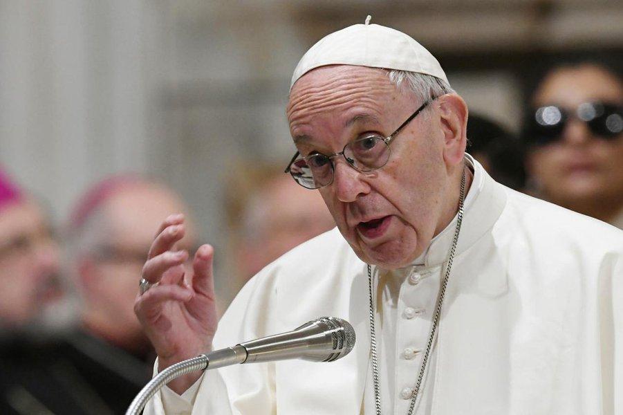 Contra as versões falsificadas de Francisco, o Papa dos Pobres