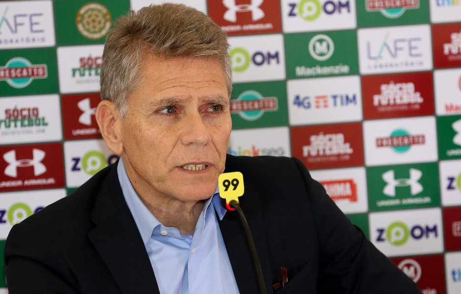 Desgastado e insatisfeito, Paulo Autuori deixa o Fluminense