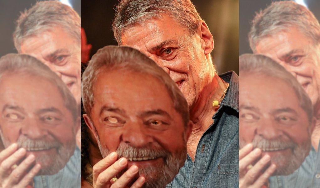 Chico Buarque manifesta seu apreço por Lula no livro 'Lula Livre/Lula Livro'