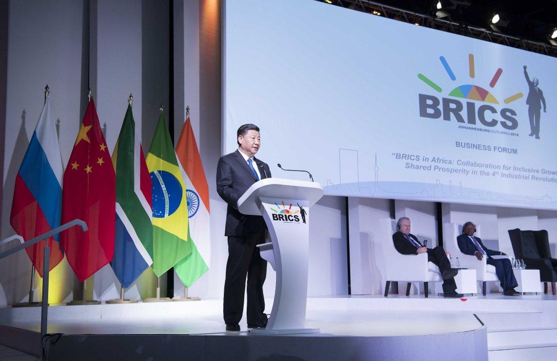 Xi Jinping faz projeções sobre próxima década do BRICS