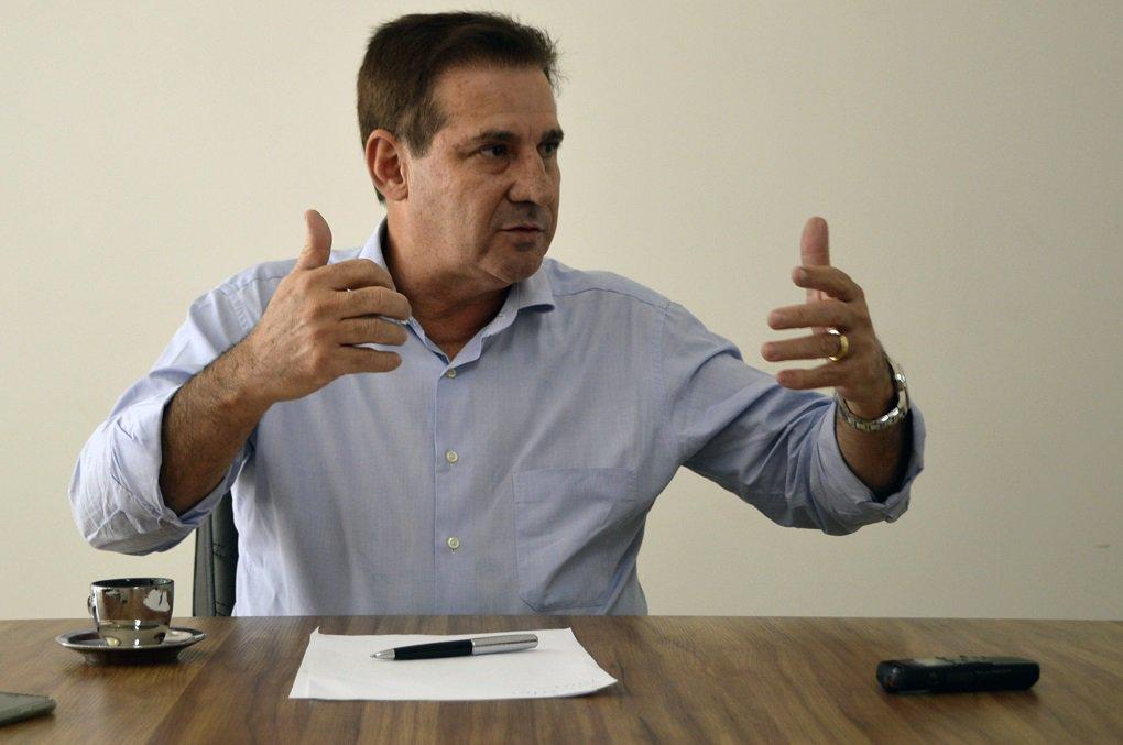 Vanderlan diz que notícia sobre vice de Eliton é fake news