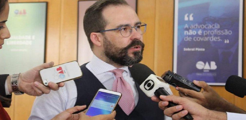 """Lúcio critica licença para magistrados: """"É imoral"""""""