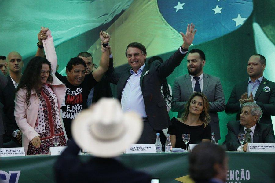 Bolsonaro descarta Janaína e já procura nova opção para vice