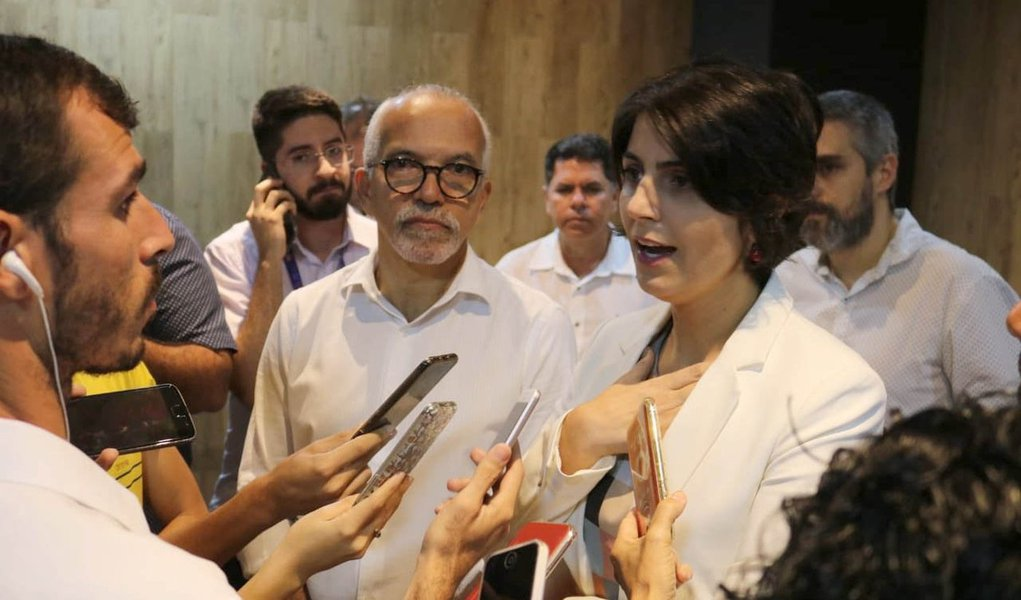 Sem unidade na esquerda, Manuela diz que seguirá candidata