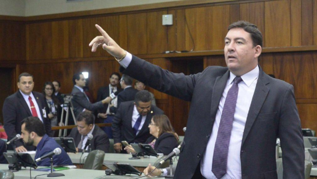 Vitti anuncia concurso para 80 cargos na Assembleia