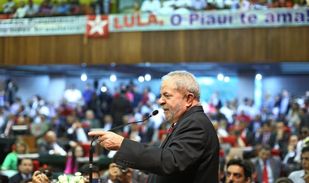 É Lula ou Lula!