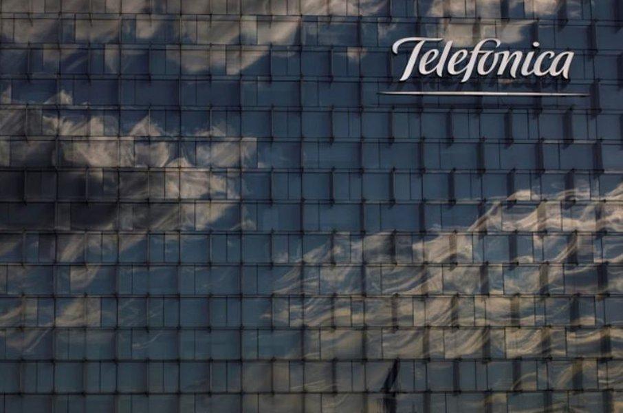 Telefónica entra na justiça contra fusão de concorrentes argentinos