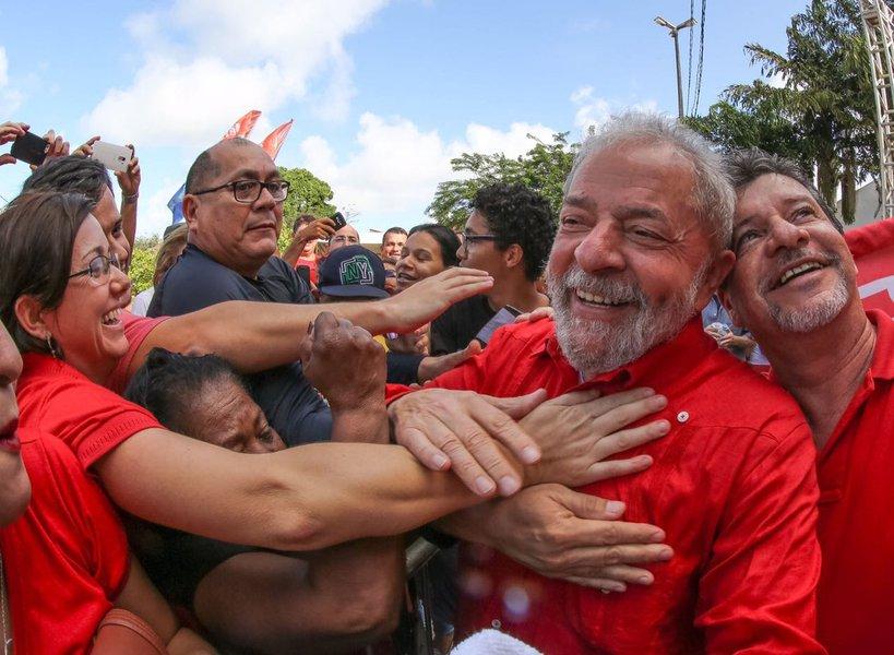 CUT/Vox: Lula é o melhor presidente da história e 53% consideram-no preso político