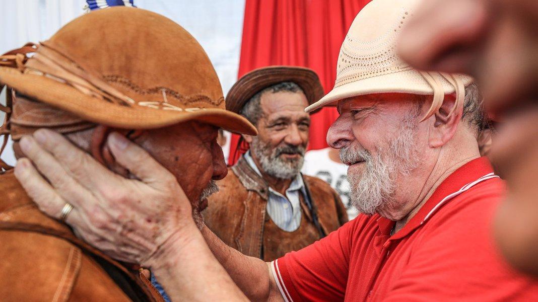 Votar no Lula é votar no Brasil