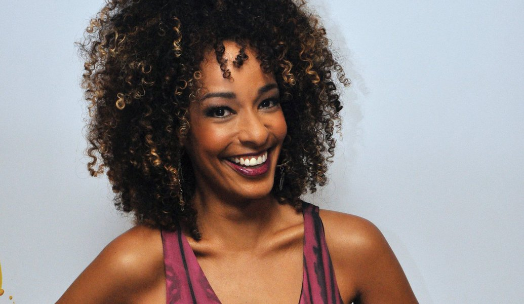 Apresentadora do Vídeo Show indica racismo da Globo em sua demissão
