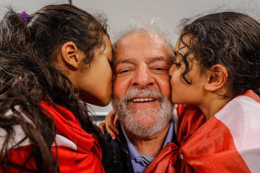 Sucessão presidencial emperra, à espera de Lula