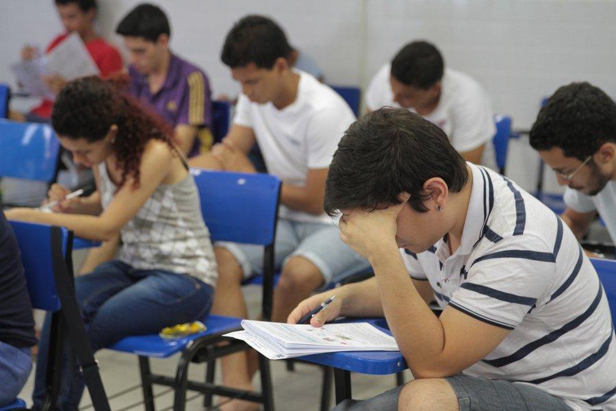 Alunos brasileiros não chegam ao final de avaliação internacional