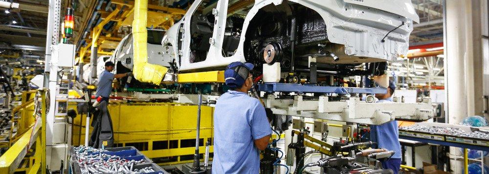 Governo reduz de 2,5% para 1,6% a previsão de crescimento do PIB neste ano