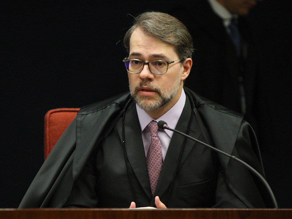 Toffoli vai propor o fim de feriados exclusivos para o Judiciário