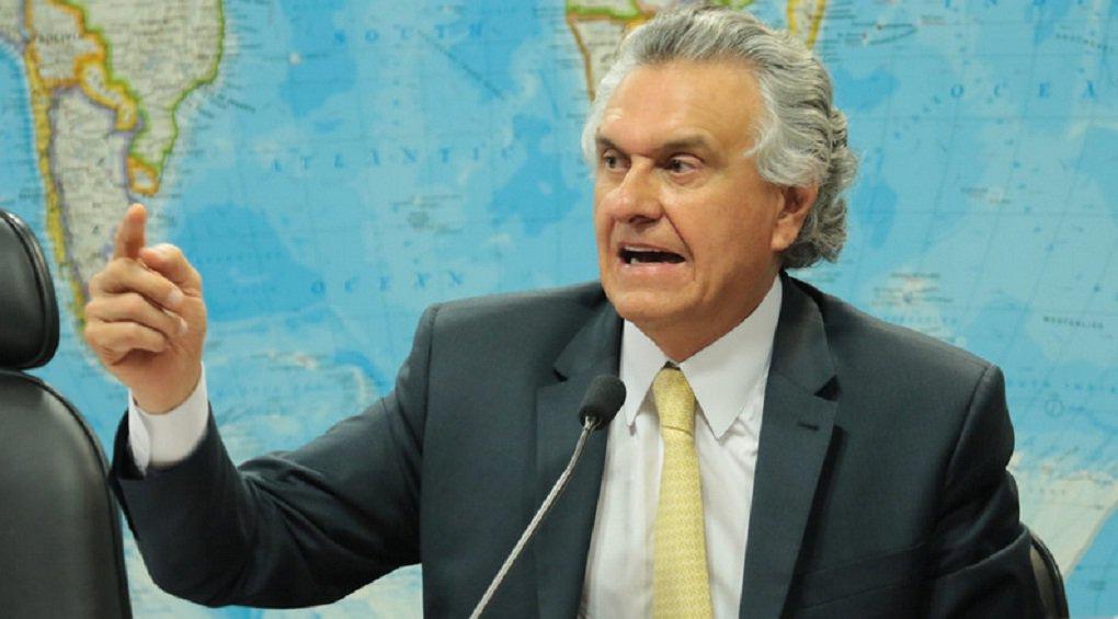 Governo desmente fake news ditas por Caiado na rádio Interativa