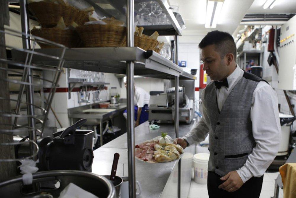 Setor de serviços cresce 6,6% em julho, diz IBGE