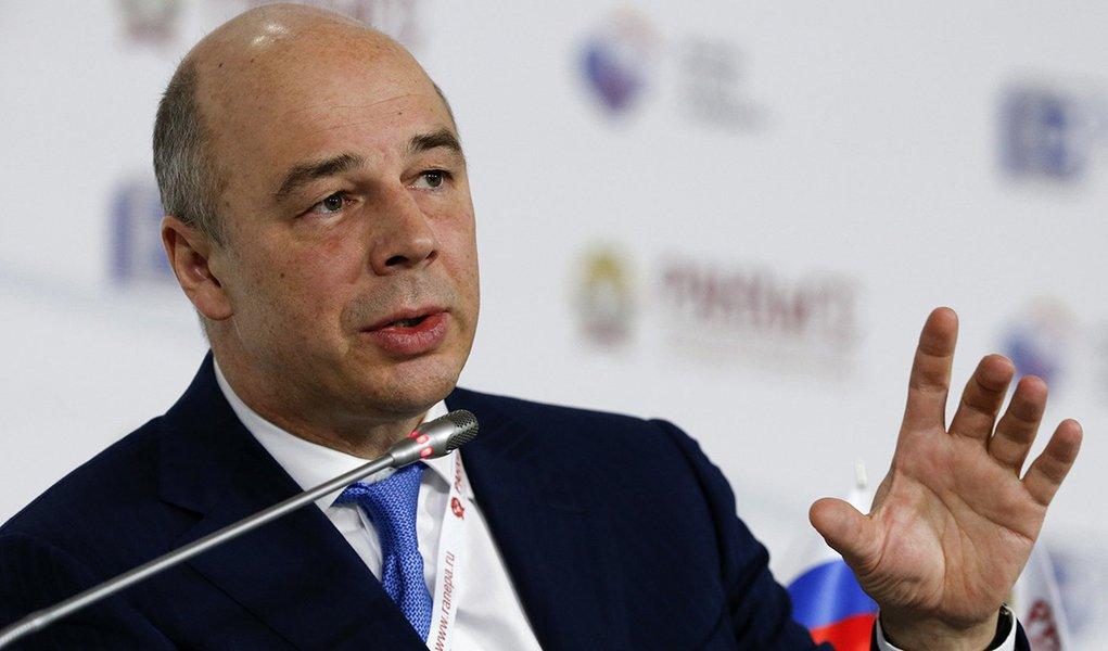 Rússia está pronta a abandonar o dólar no comércio de petróleo?