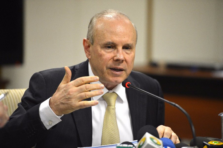 Moro aceita denúncia contra Guido Mantega na Lava Jato