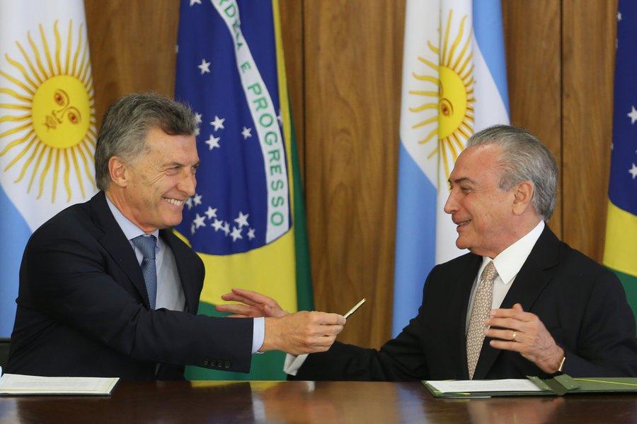 Tijolaço: crise argentina pode chegar ao Brasil