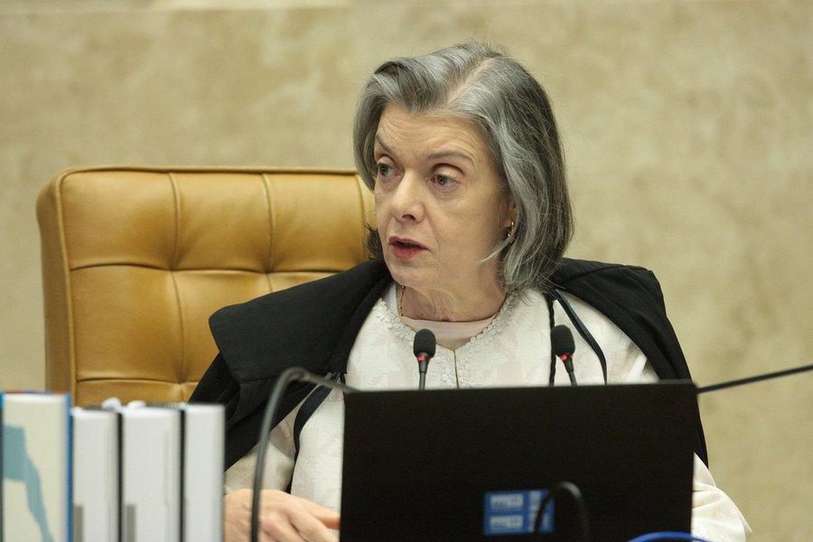 Às vésperas do registro de Lula, Cármen Lúcia defende Lei da Ficha Limpa