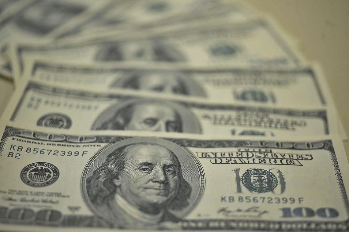 Dólar sobe e chega a tocar em R$3,91 com preocupações com Turquia