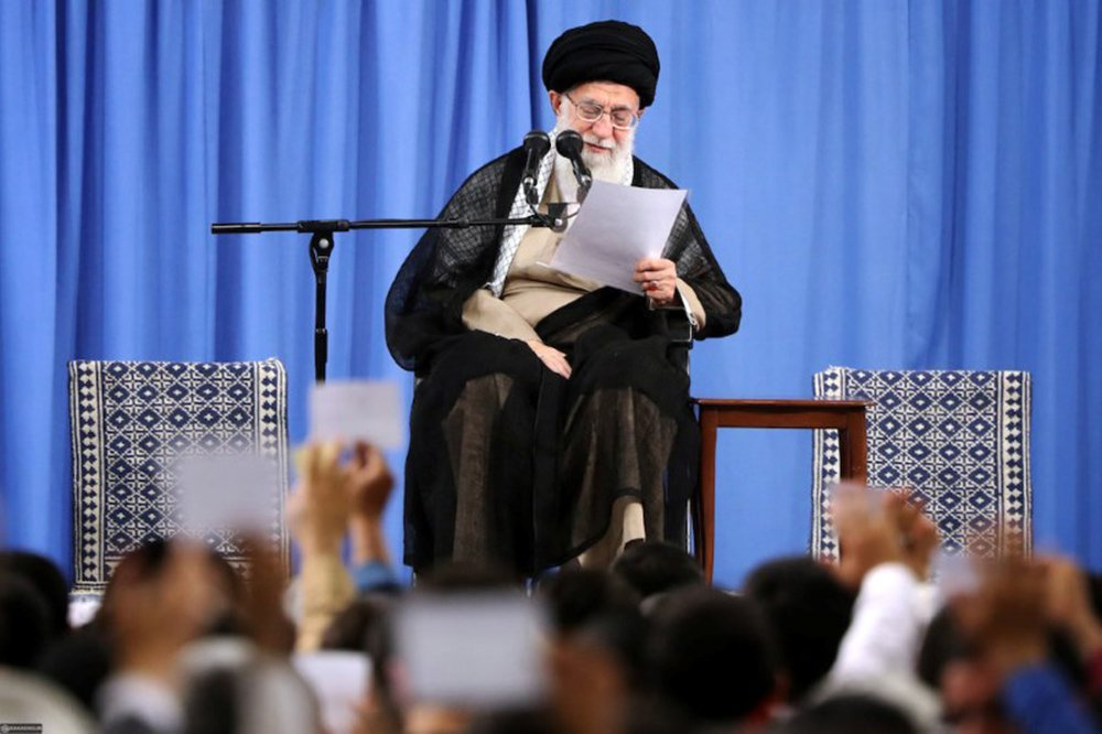 Líder do Irã proíbe negociações diretas com os EUA