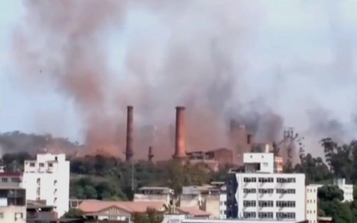 Bombeiros anunciam controle de explosão de usina em Minas