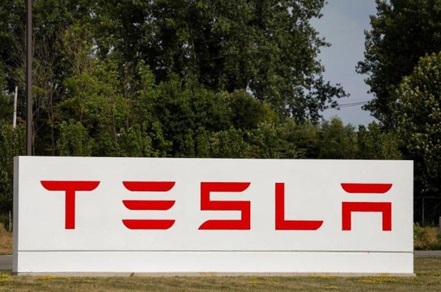 Regulador dos EUA aumenta escrutínio sobre Tesla, diz Bloomberg