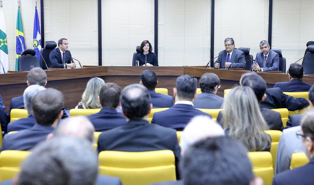 MPF segue ministros do Supremo e aumenta salários em 16,38%