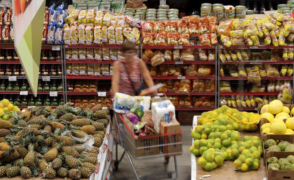 Vendas do varejo caem 0,3% em julho, diz IBGE