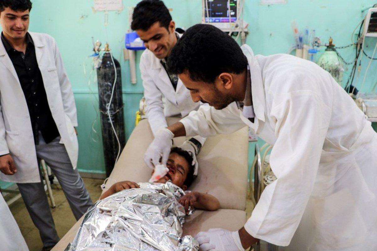 Ataques aéreos no Iêmen matam crianças que viajavam de ônibus