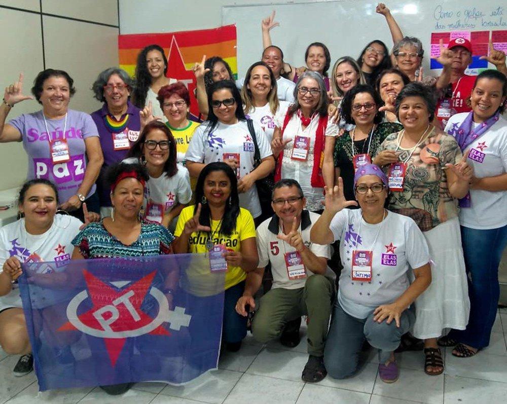 Candidatas do PT no Ceará fazem caravana e defendem o direito de votar em Lula