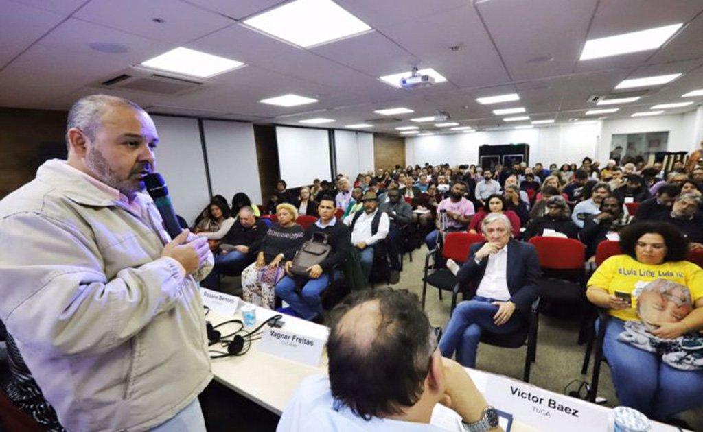 Vagner Freitas: os golpistas não vão nos destruir