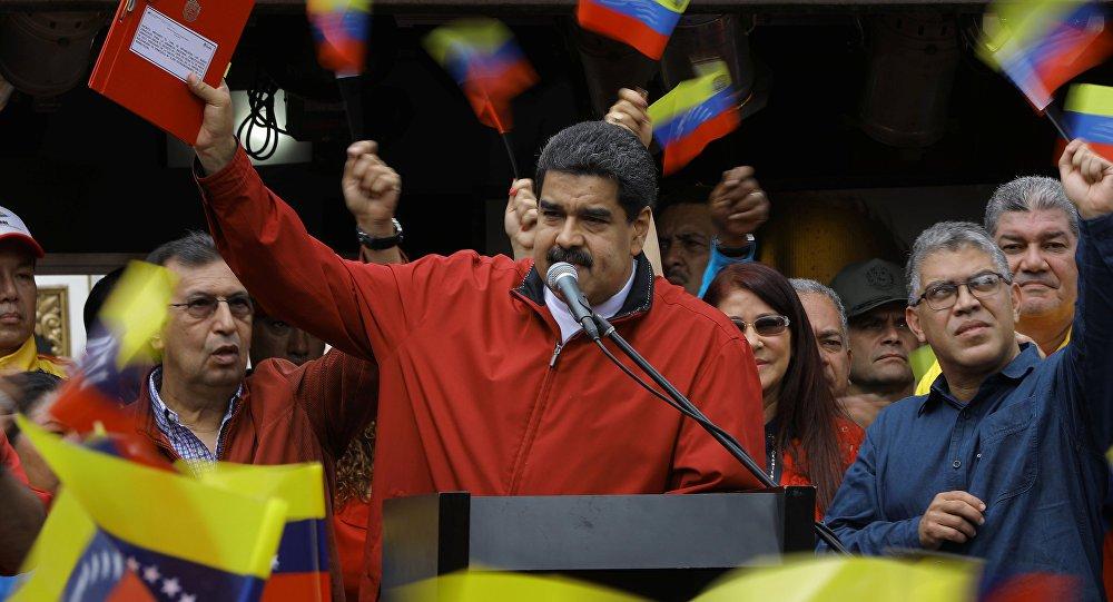 Presidente da Venezuela apresenta provas da tentativa de assassinato