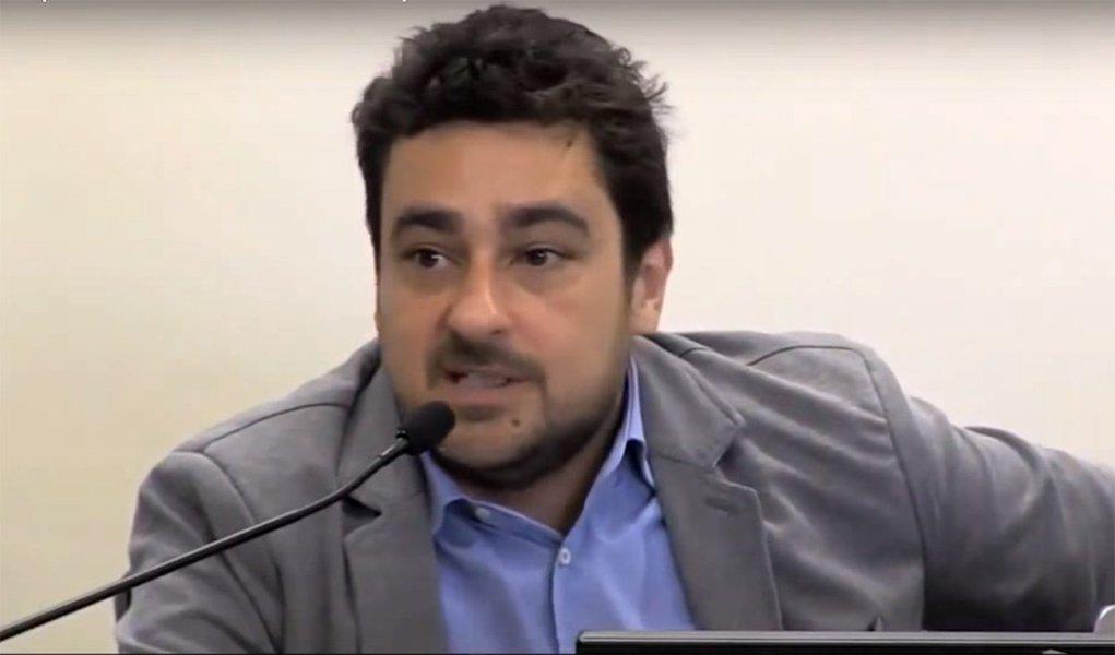 Queremos dar fim à política de privatizações, diz economista de Boulos