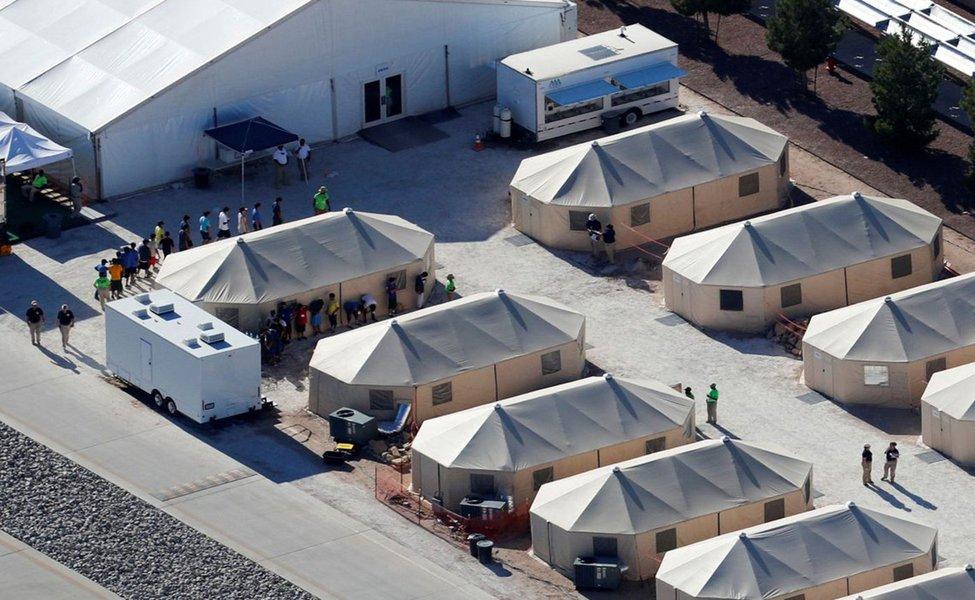 Oito adolescentes brasileiros permanecem em abrigos nos EUA