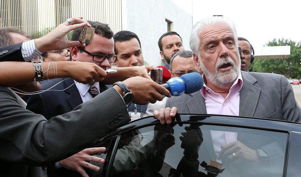Minha torcida é absoluta para que a gente consiga o registro de Lula, diz Wagner