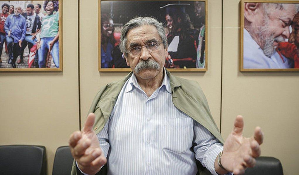 Olívio Dutra: Lula não perdeu sua dignidade e o povo é quem vai decidir