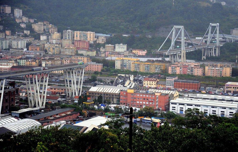 Queda de ponte deixa ao menos 30 mortos na Itália