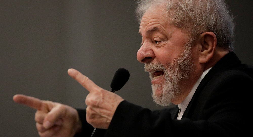 Defesa protocola no TSE pedido para Lula participar do debate da Rede TV!