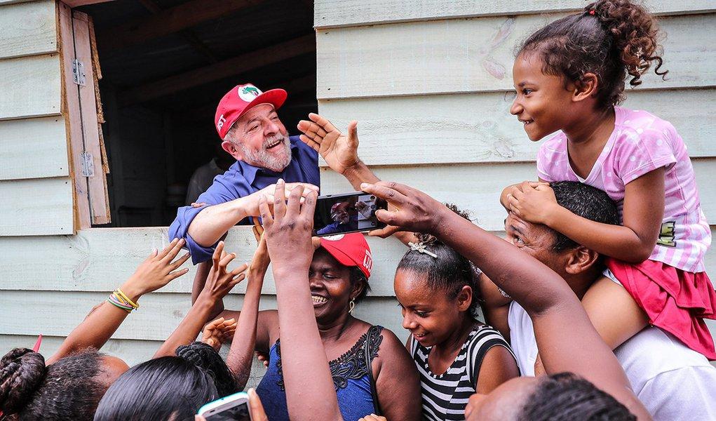 Lula cresce mesmo sem ir a debates
