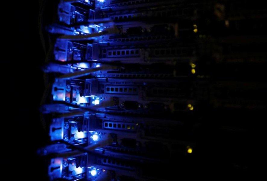 Governo sanciona com vetos lei de proteção de dados