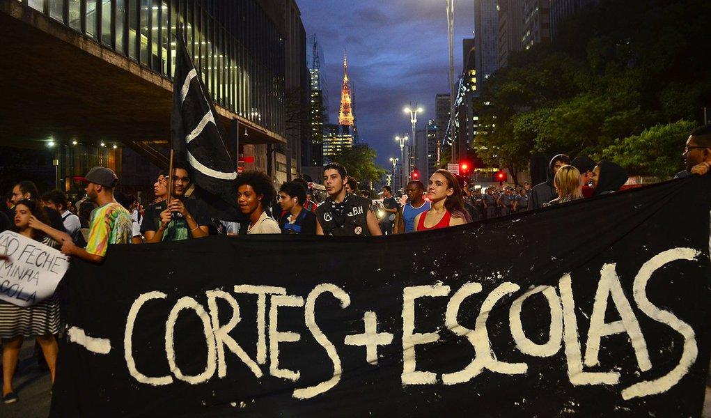 Educação no estado de São Paulo: falta de professor e vandalismo