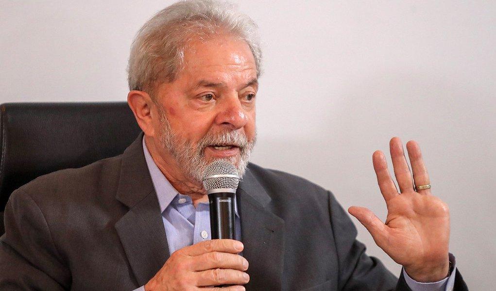 MST: decisão do TSE confirma que Lula é preso político