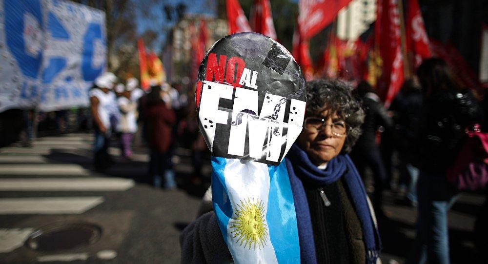 Ajuda mortal: como o Fundo Monetário Internacional destrói a economia dos países